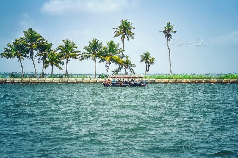 boating at alappuzha