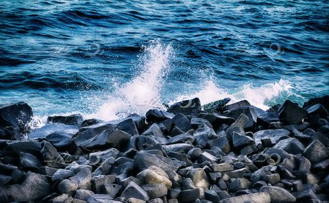 sea-waves-pondicherry